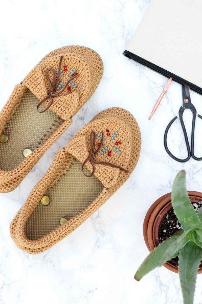 crochet-slippers-easy-diy-tutorial