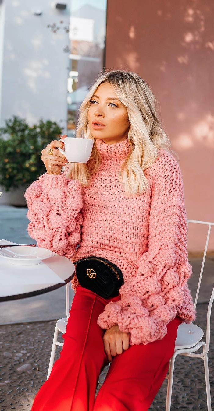 how-to-look-stylish-in-a-knitted-wide-sweater-new-2019