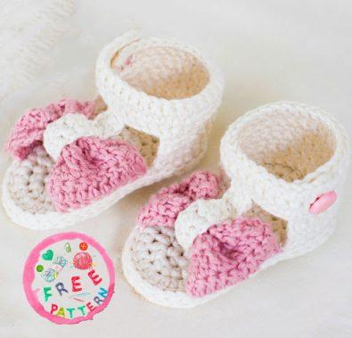bon-bon-baby-sandals-free-crochet-pattern
