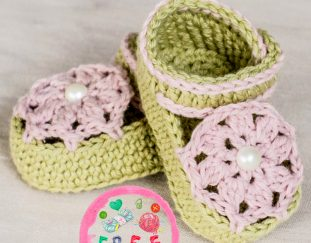 ice-cream-swirl-baby-booties-free-crochet-pattern-2020