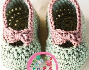 little-lady-baby-booties-model-free-pattern
