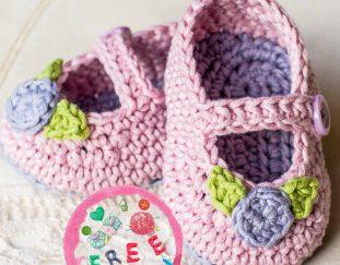 mary-jane-rosebud-baby-booties-free-crochet-pattern-2020