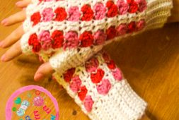 valentines-day-lovey-fingerless-gloves-free-pattern-2020