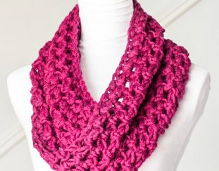 basic-chunky-cowl-beginner-free-crochet-pattern-2020