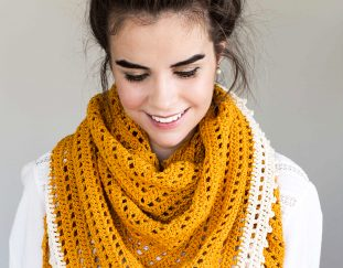 honey-bird-triangle-scarf-free-crochet-pattern-2020
