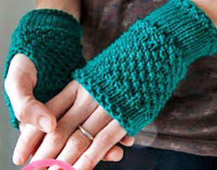 emerald-green-handwarmers-free-pattern-2020