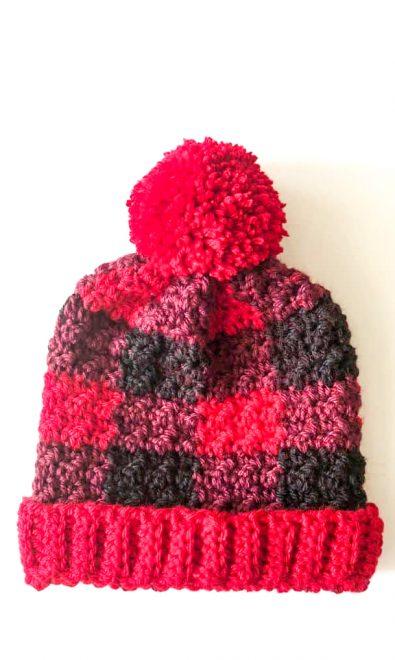 red-buffalo-check-crochet-hat-free-pattern-2020