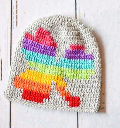 women-crochet-rainbow-shamrock-slouchy-free-pattern
