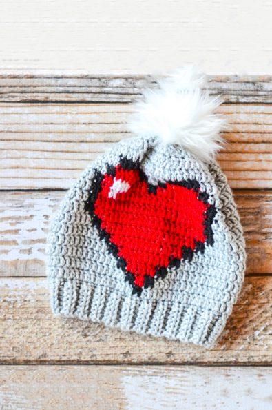 crochet-8-bit-heart-slouchy-free-crochet-pattern-2020
