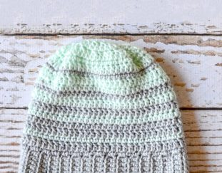 striped-hipster-slouchy-beanie-free-crochet-pattern