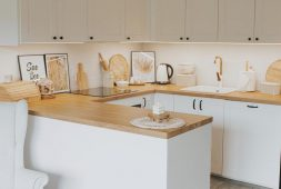 your-home-will-look-much-more-spacious-with-white-kitchen-cabinets